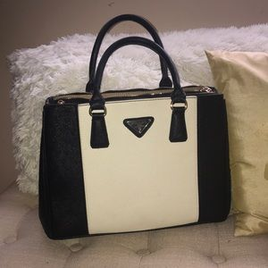 White & black purse